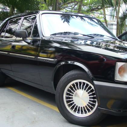 Opala Comodoro 1990 - 6c