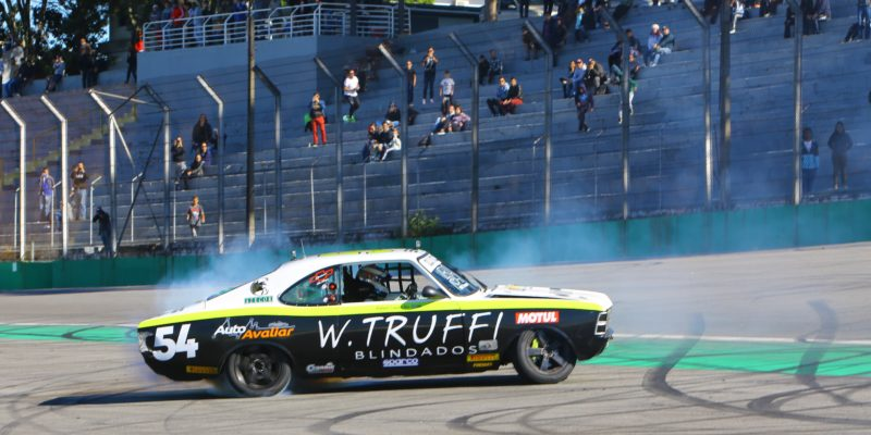 Old Stock Race - Rafael Lopes vence e assume a liderança do Campeonato