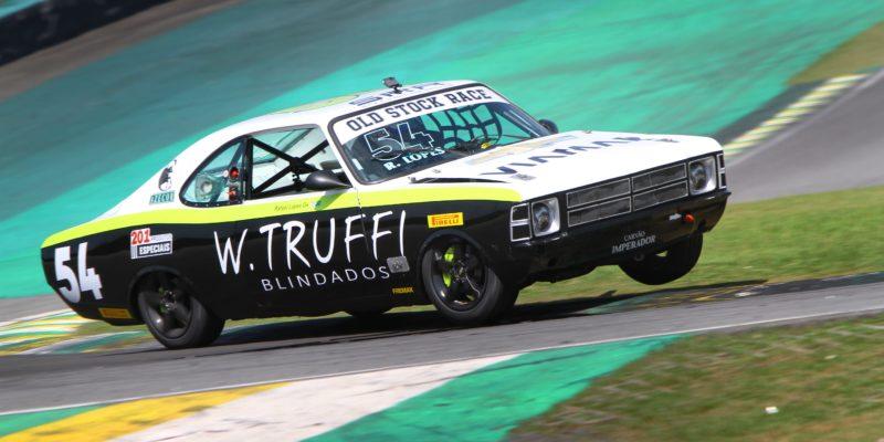Old Stock Race - Rafael Lopes larga na frente amanhã em Interlagos.